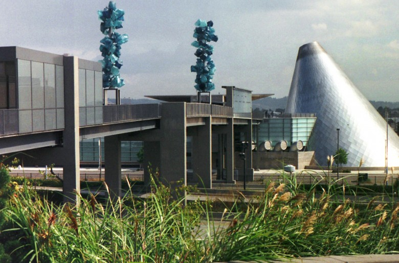 Le Tacoma Museum of Glass
