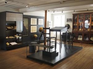 Galerie du musée et pupitres