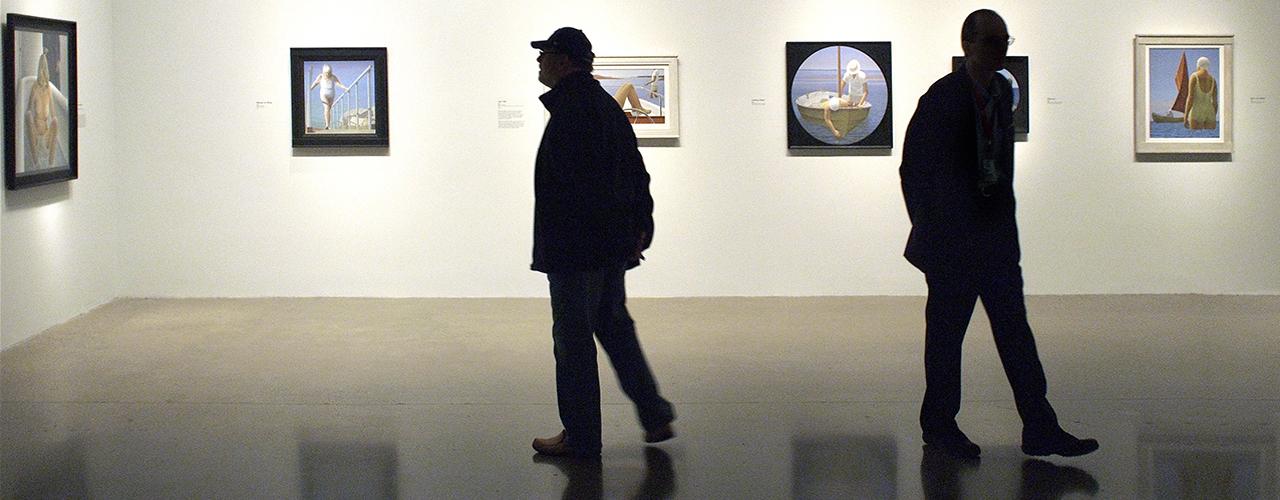 Visiteurs et tableaux