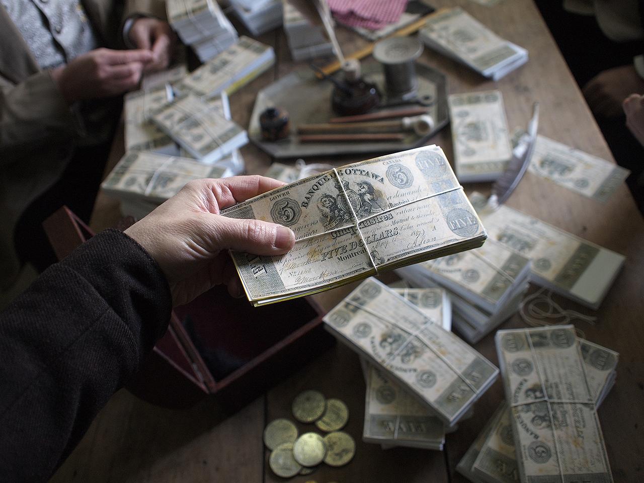 Liasses de faux billets