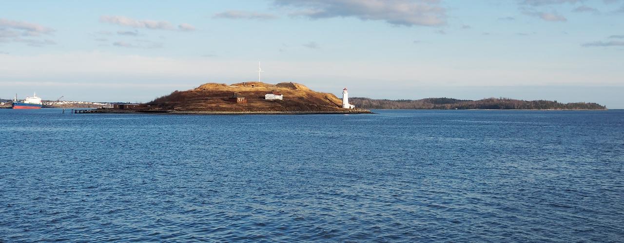 île avec phare
