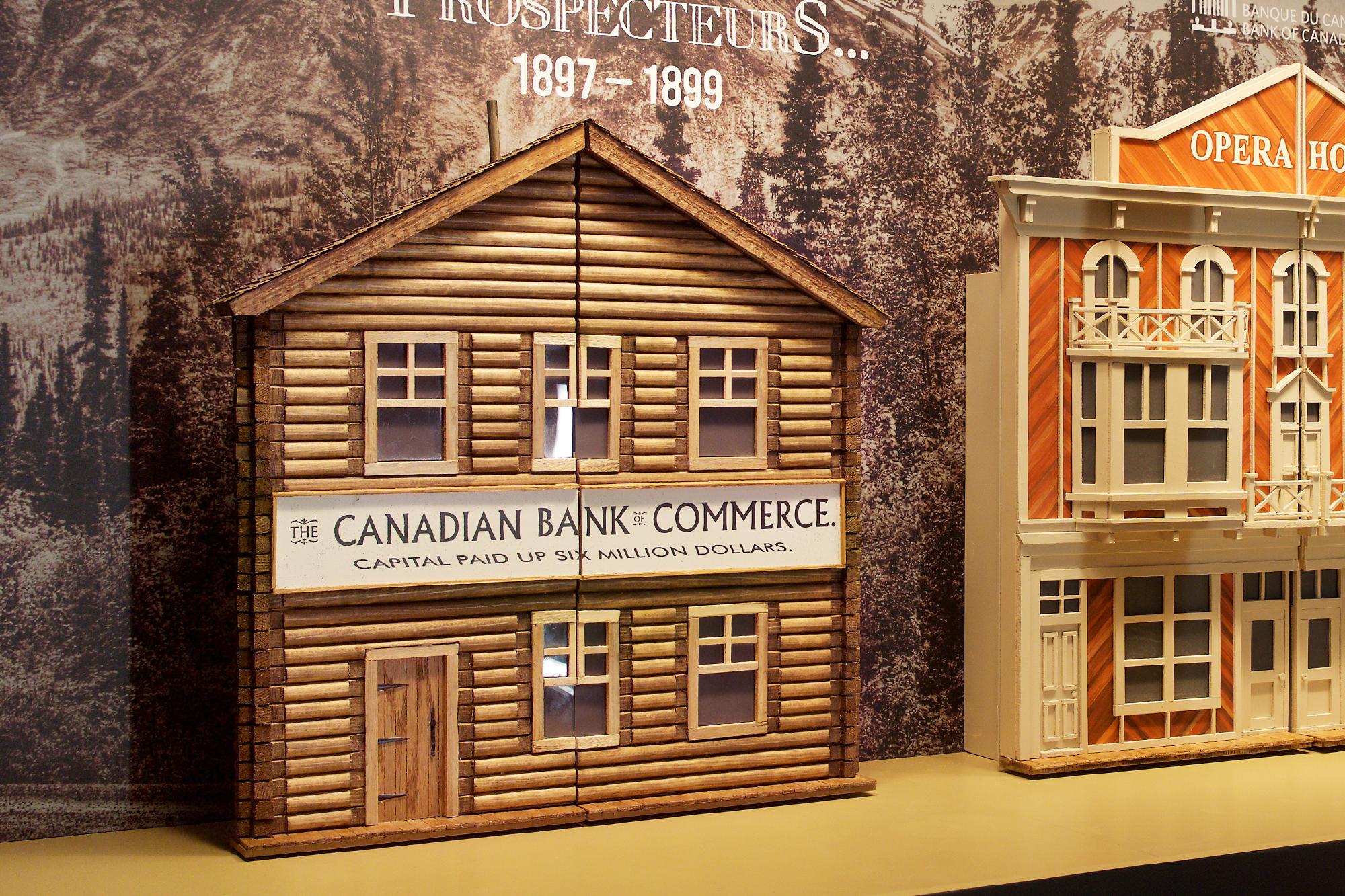 maquette d'un bâtiment en bois rond