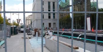 tour de bureaux, grilles et travaux de construction