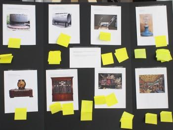 tableau présentant des images d'artéfacts technologiques de grande dimension