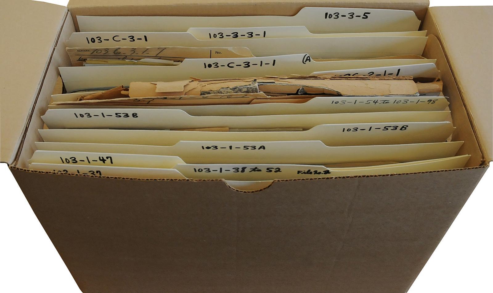 boîte d'archives ouverte