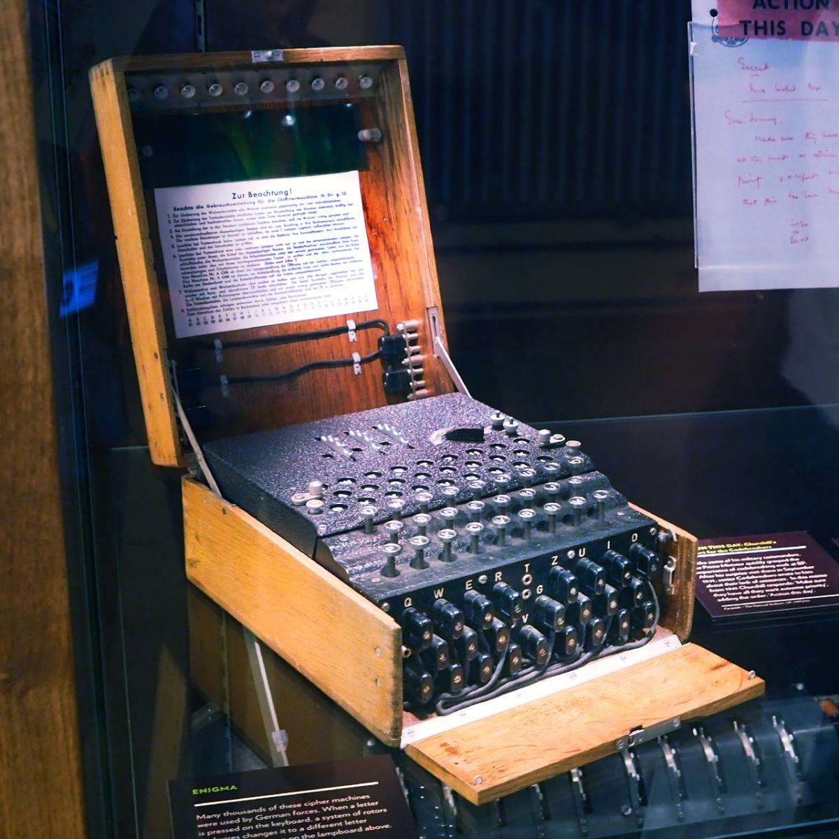 tmachine électrique de codage ressemblant à une machine à écrire