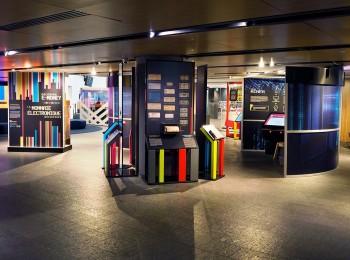 exposition et panneaux d'artéfacts