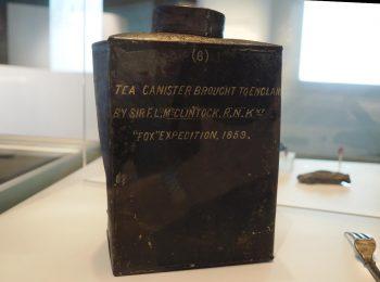 objet, boîte à thé en étain