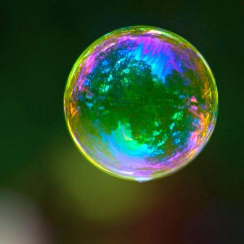 bulle de savon qui flotte