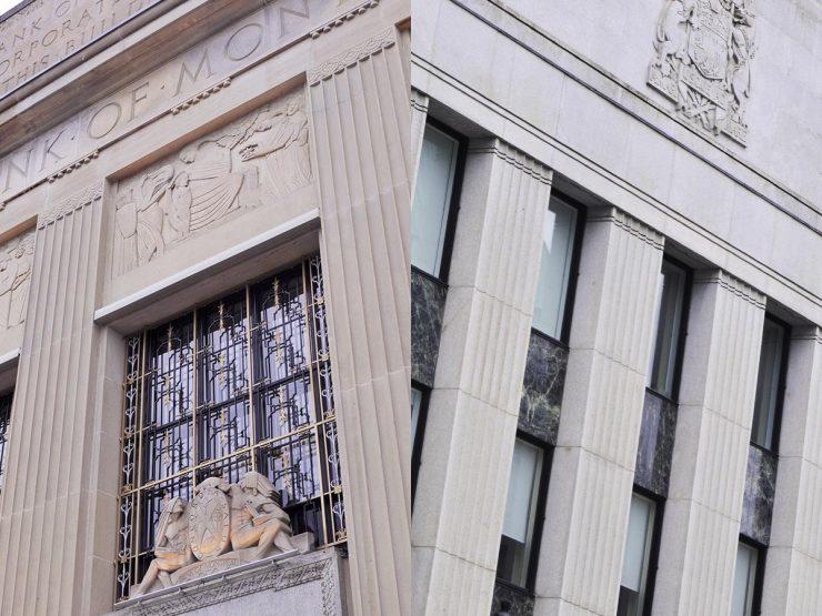 Deux façades ornées de pilastres identiques. Les fenêtres de l'immeuble de gauche sont agrémentées d'ornementations et de sculptures.